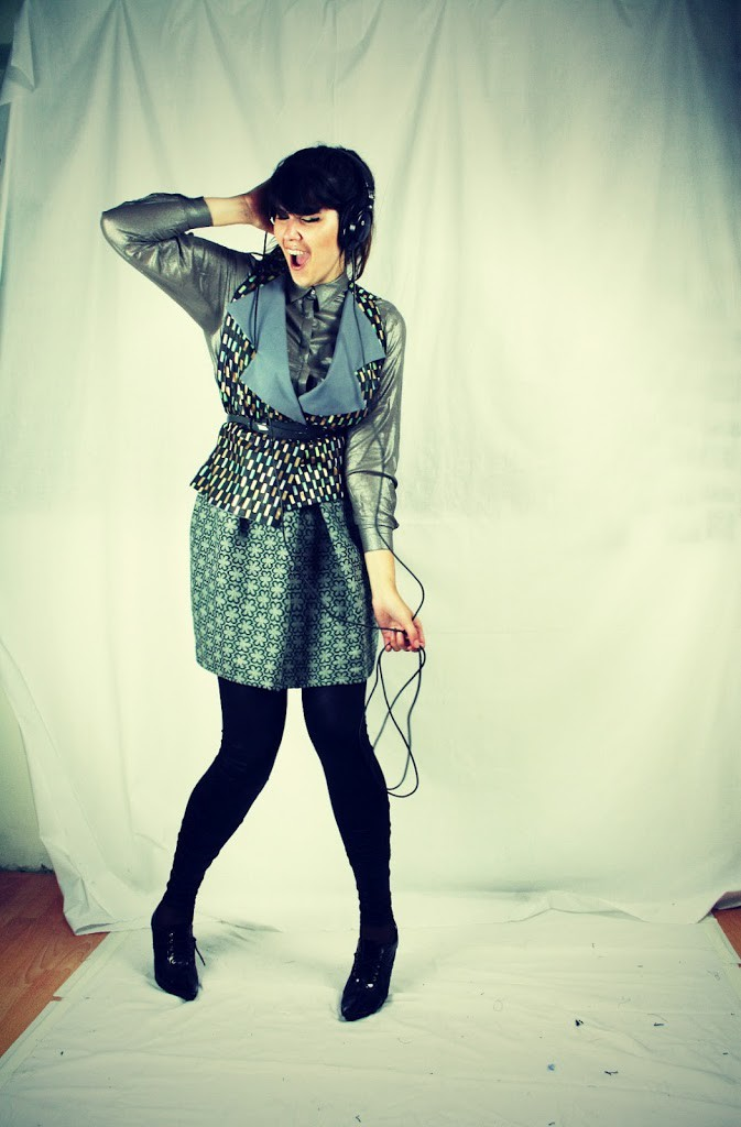 Modelling for DIY Couture. The behind the scenes action…